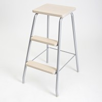 STEP STOOL SILVER/ TRANSLUCENT WHITE LM 184